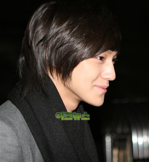 Kim Bum attends wedding in First Januari 2010 G8wed1