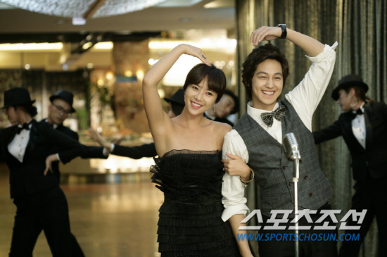 Kim Bum and Hwang Jung Eum enjoy a gourmet date for new CF 20101103_kbhje_1
