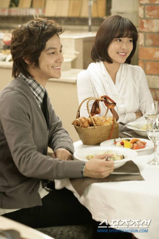 Kim Bum and Hwang Jung Eum enjoy a gourmet date for new CF 20101103_kbhje_2