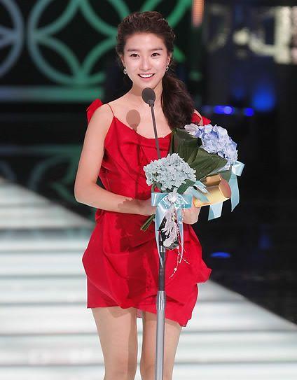 Kim So Eun earns Best Actress Nomination for Daily Drama Ec8ba0ec9db8ec97b0eab8b0ec8381-ebb09bec9d80-eab980ec868cec9d80-ec9980-eba088eb939c-ec9b90ed94bcec8aa4eab080-eca98ceb84a4ec97ac4