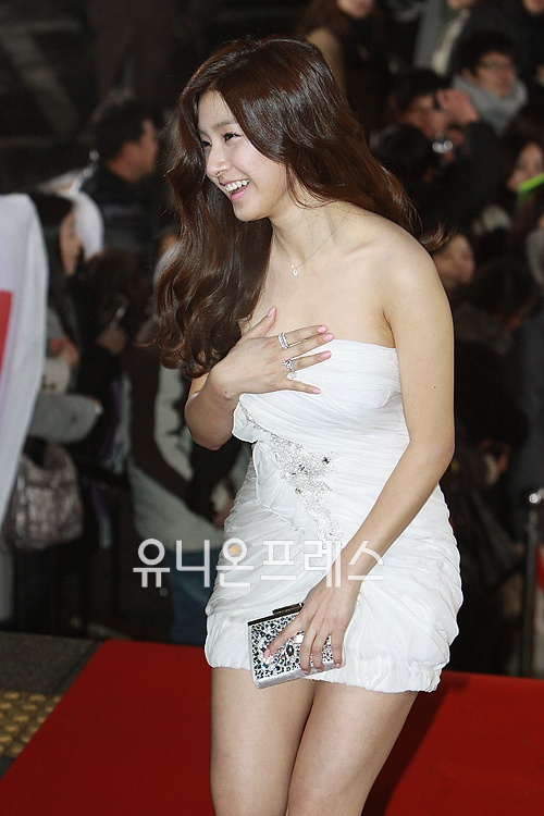 Kim So Eun attended the KBS Drama Awards for 2010 on Dec. 31st. 1293861691-97