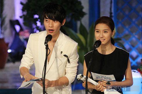 Kim So Eun at Mnet 20′s Choice 29ca2e1225d95630f919b886