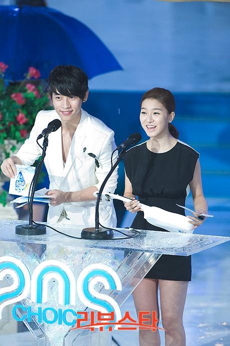 Kim So Eun at Mnet 20′s Choice B66ec2396b47cb923b87ce03